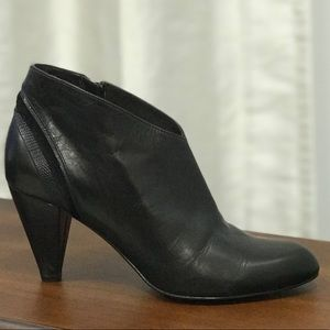 Cole Haan genuine leather boots size 7B